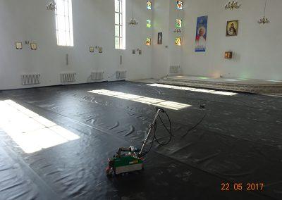 Izolacja Kościoła -Dołuje (2) zm